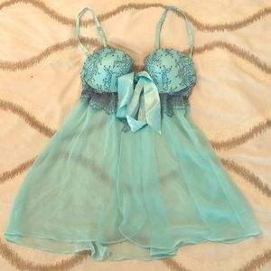 NWOT beautiful Victoria's Secret lingerie